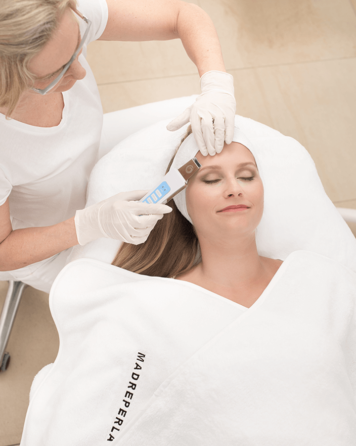Ultraschalltherapie-Microdermabrasion-Madreperla